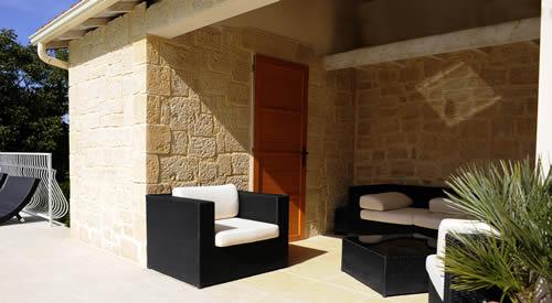 kunststein fassaden in toskana optik. Black Bedroom Furniture Sets. Home Design Ideas